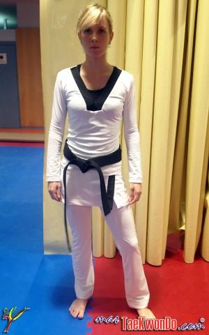 2013-08-16_67197x_ESTÉTICA-FEMENINA-Taekwondo_03-e1376606715309