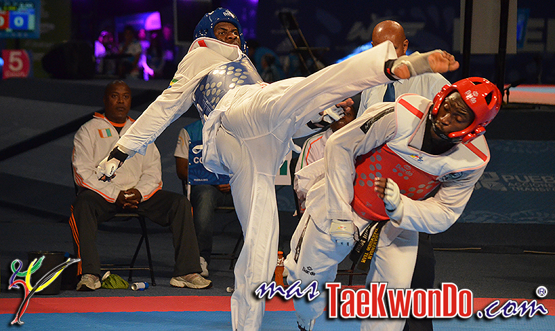 2013-11-16_71865x_Taekwondo_DSC_0323
