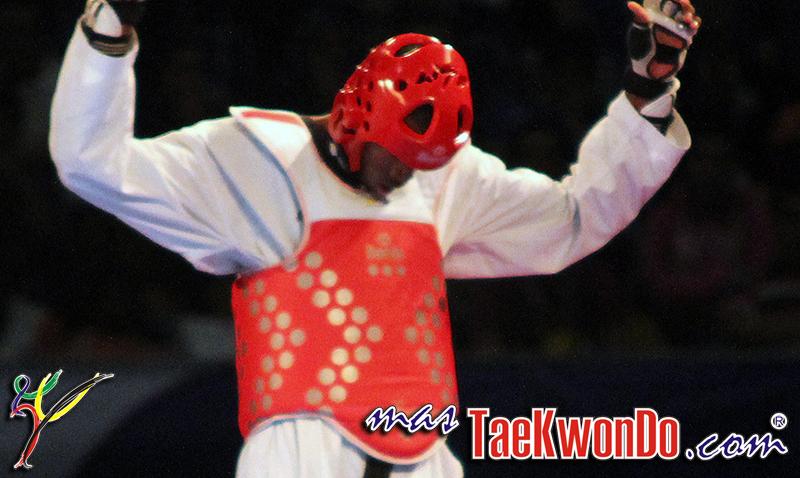 2013-12-17_73355x_IMG_3128_Taekwondo-CUB