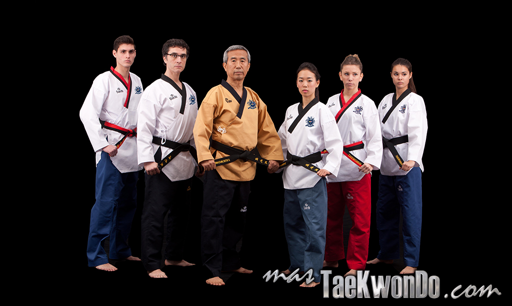 2014-02-07_73992x_Daedo_WTF-Recognized-Poomsae-Uniforms_mT