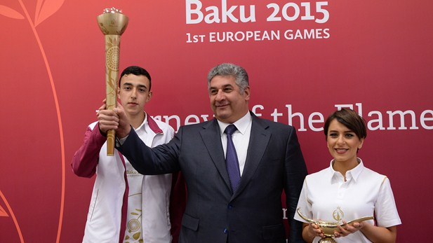 Baku 2015 torch and lamp