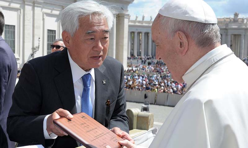 Pope Granted Honorary Taekwondo Black Belt at Meeting in Vatican