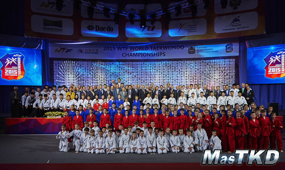 Demonstration-Team-from-WTF-and-ITF-poses-after-the-opening-ceremony-for-the-2015-WTF-World-Taekwondo-Champioinships-Chelyabinsk