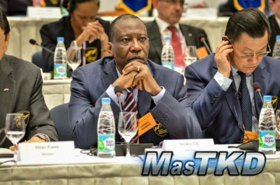 Idé Issaka received the Niger Sports Merit award